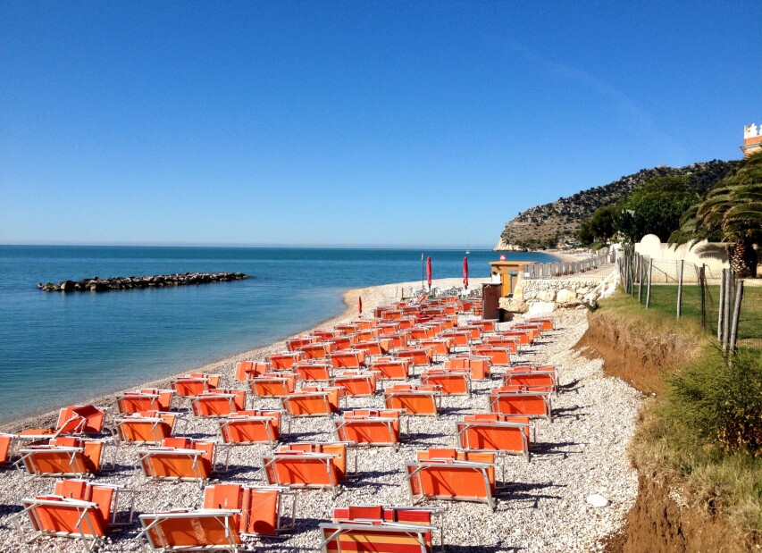 Mattinata_spiaggia_01.JPG