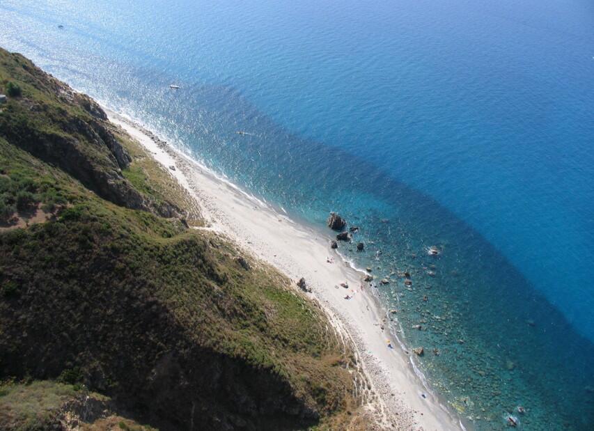 San Saba, pláže a průzračné moře