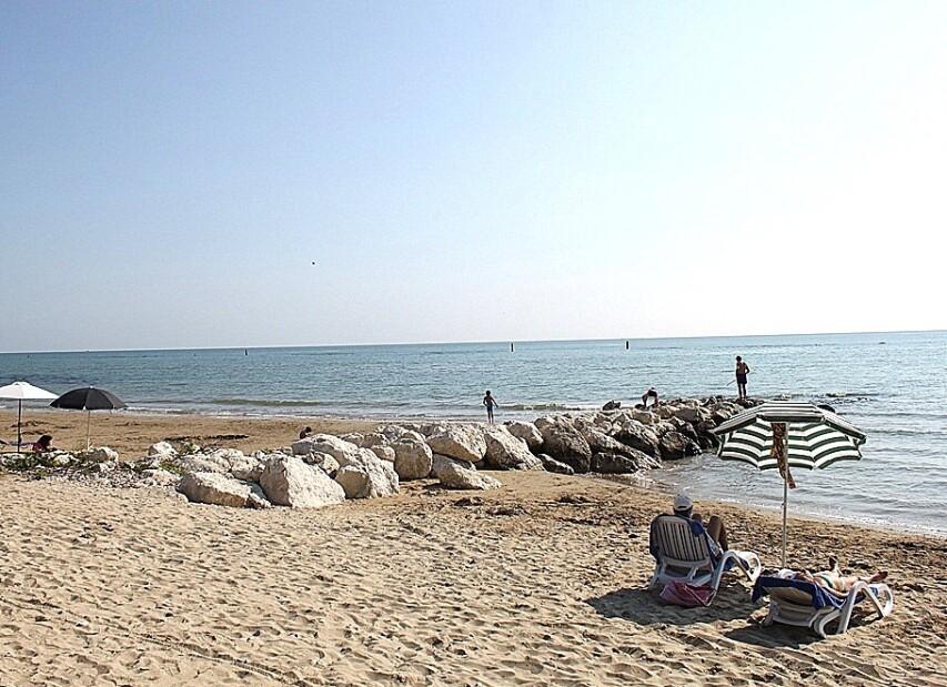Cologna Spiaggia, jedna z místních pláží