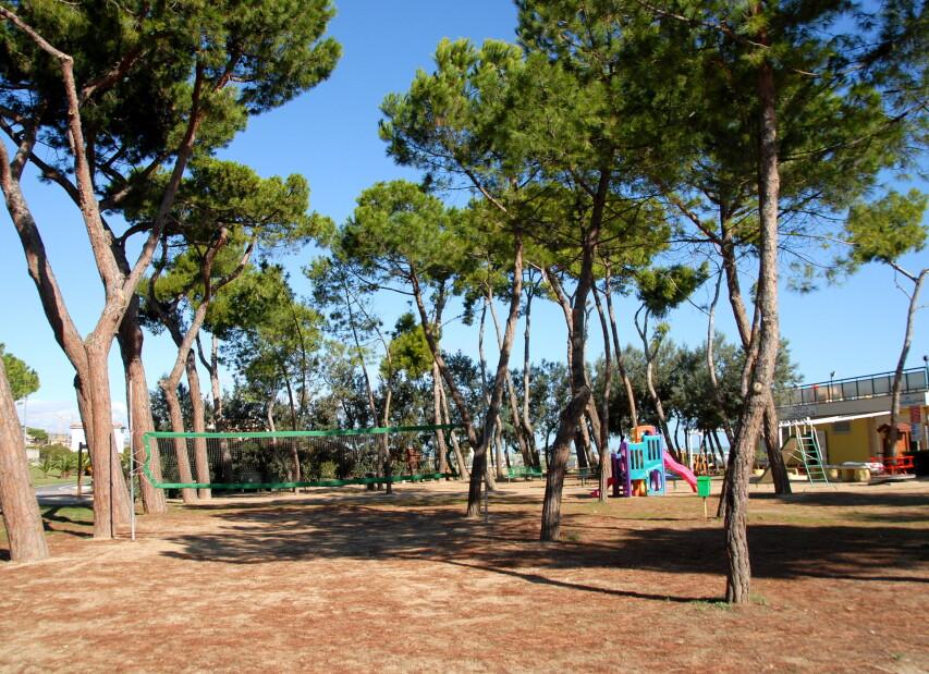 Pineto, volně přístupná volejbalová hřiště