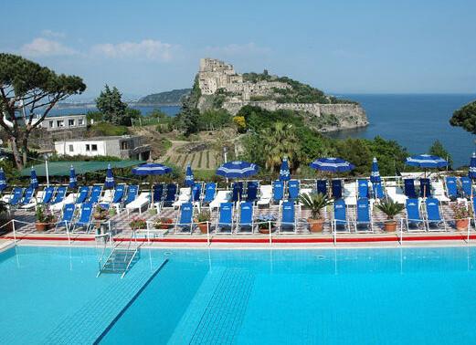 Hotel Cartaromana***