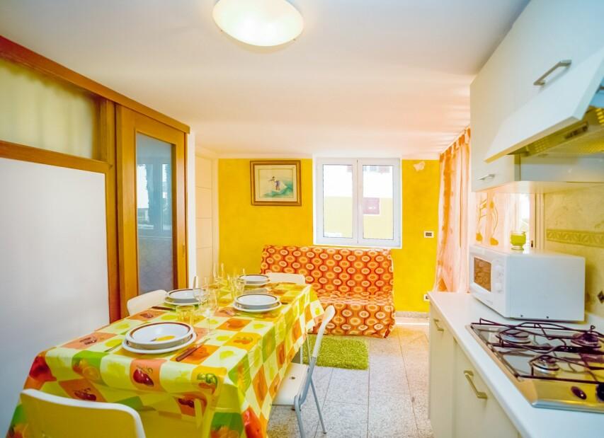 miami soggiorno e cucina B.jpg