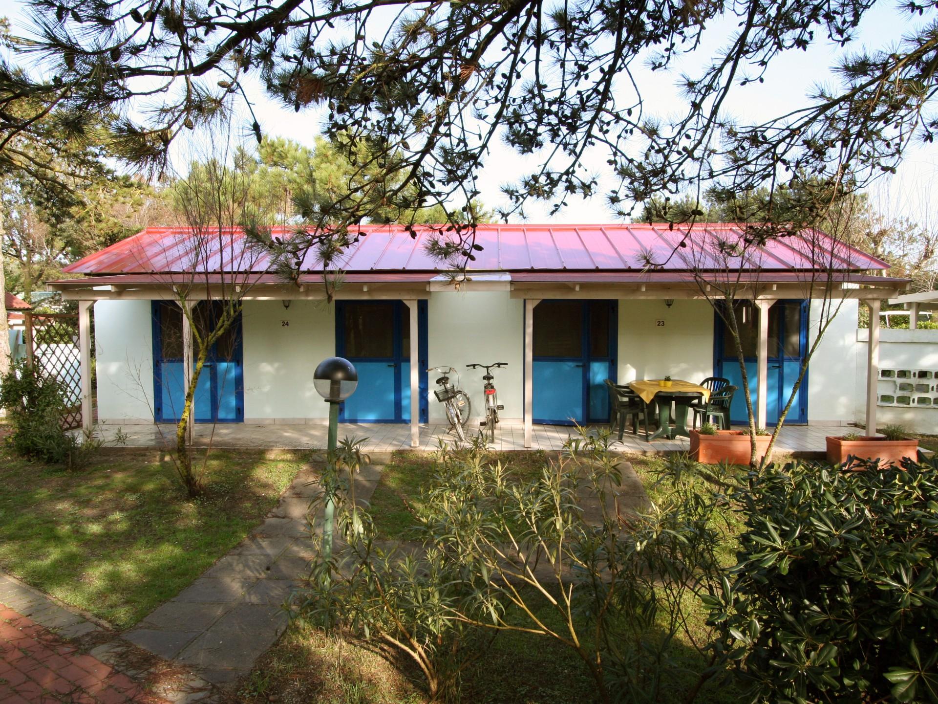 Bungalow bungalow 5 villaggio rosolina mare club for Www bungalow5 com