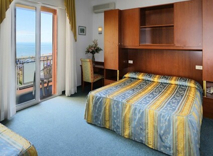 Hotel London - Standard Room s přímým výhledem