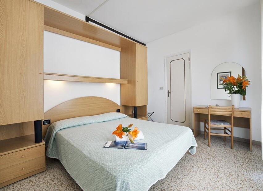 Hotel London - Apartment 1 s bočním výhledem