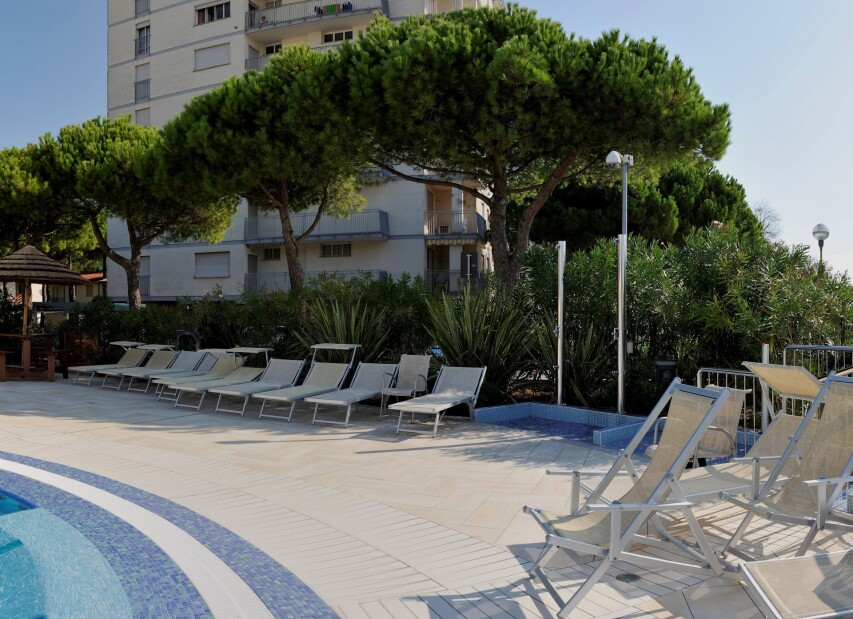 piscina_diurna_pano6-003.jpg