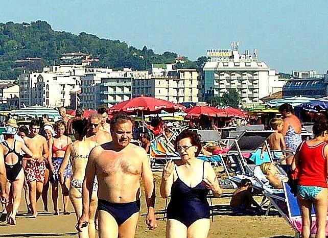 Cattolica, pláž v nejvyšší sezóně