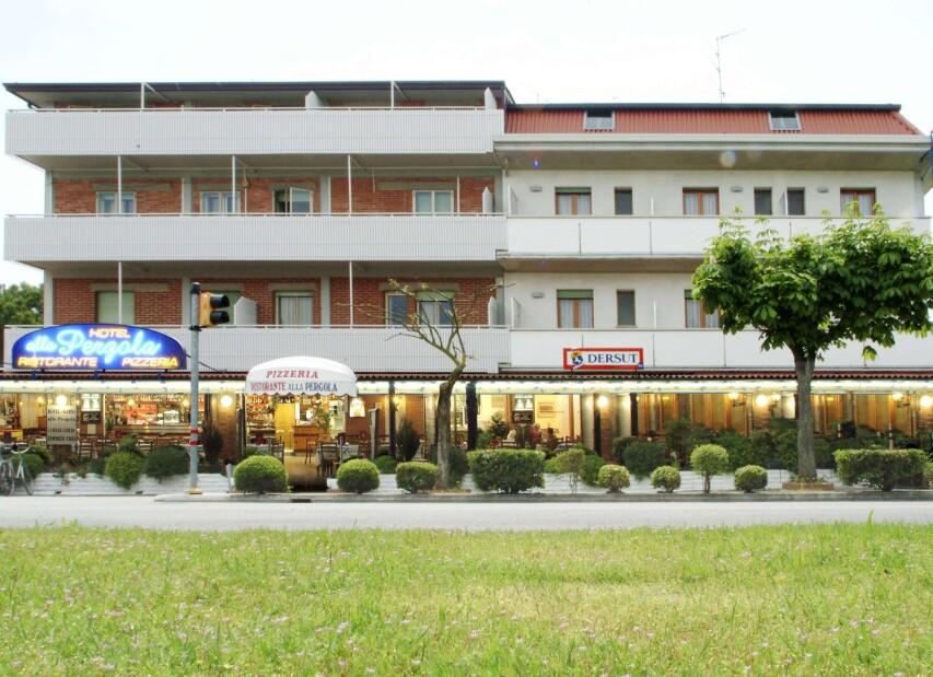 Hotel Alla Pergola**