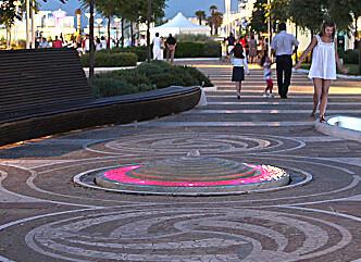 Rimini Marina Centro, večerní promenáda