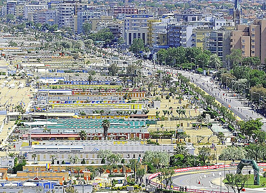 Rimini Marina Centro je plné života na plážích i na promenádách