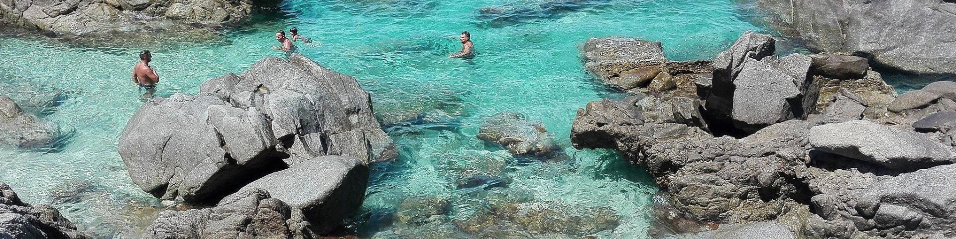 Parghelia, průzračná voda na pláži Michelino