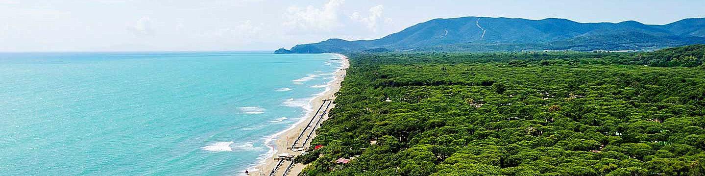 Castiglione della Pescaia, pláž směrem k Punta Ala
