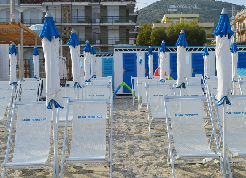 Residence Hermitage - Pietra Ligure - pláž