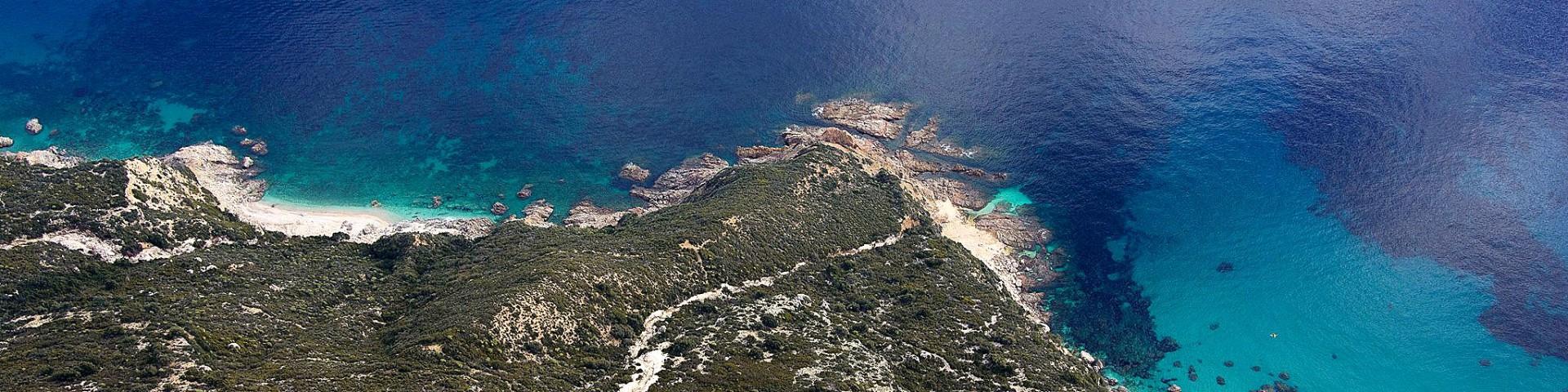 Santa Maria Navarrese, skryté pláže v okolí směrem na Cala Gonone