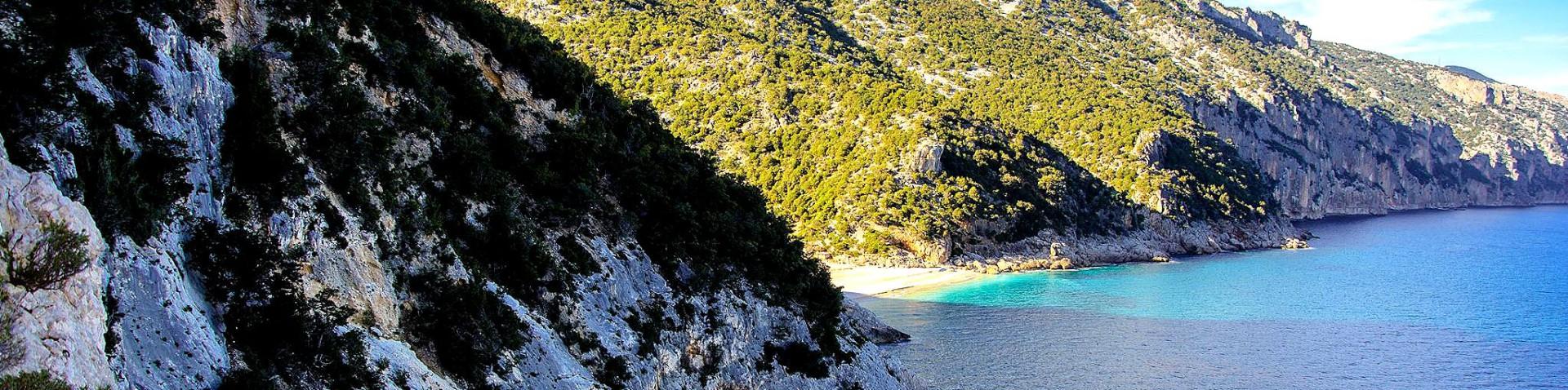 Santa Maria Navarrese, jedna z vyhlášených, skrytých pláží, Vala Goloritzé