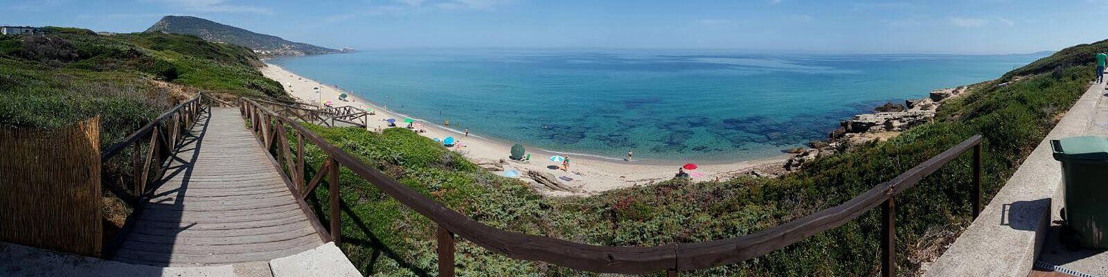 Valledoria, pláž Maragnani, ležící směrem ke Castesardo