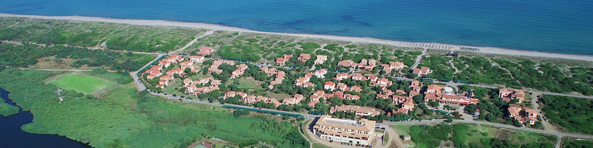 Badesi Mare, severní pobřeží Sardínie, zde nebudete mít pocit přeplněných pláží