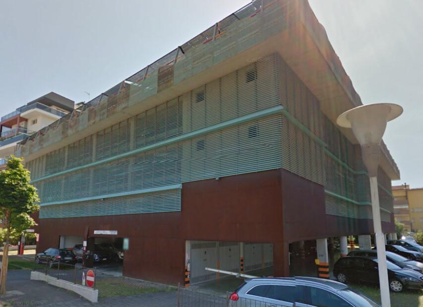 Parkovací dům - Via Treviso 21