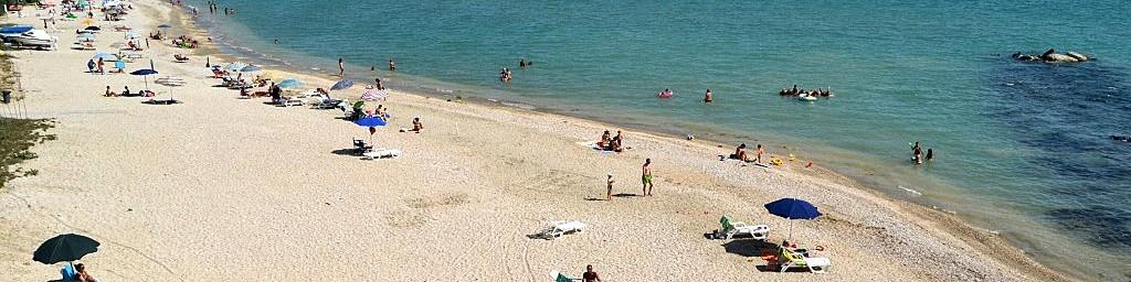 San Tommaso Tre Archi, pláž na kraji letoviska