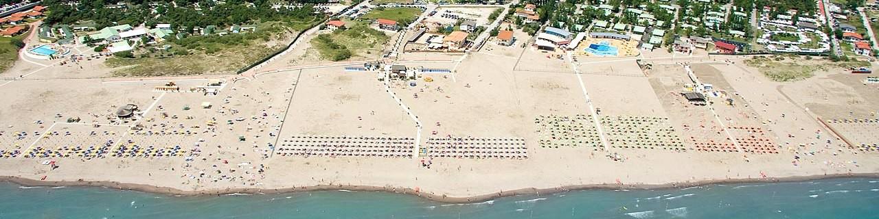 Rosolina Mare, pohled na pláž v jižní části letoviska