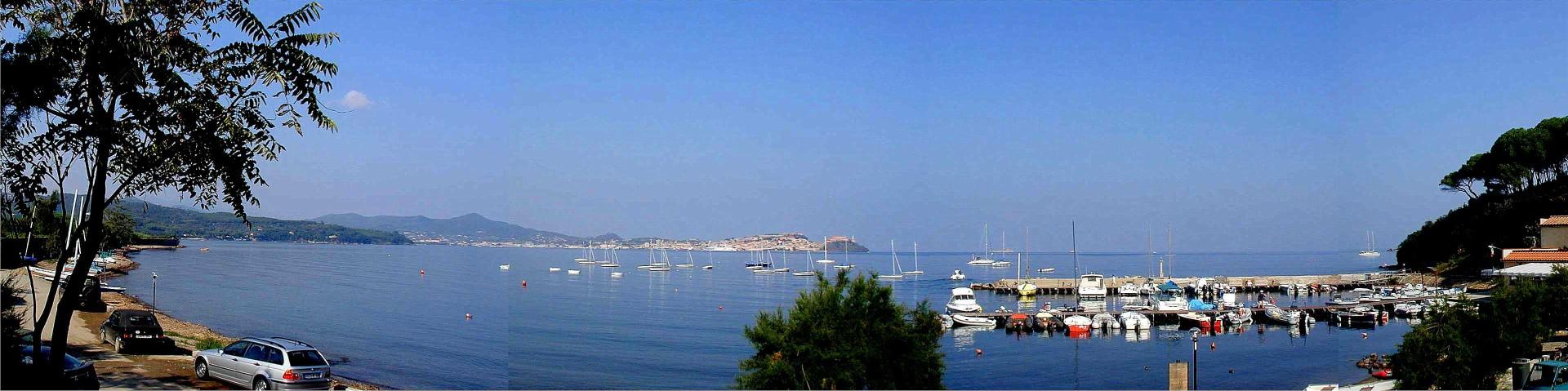 Golfo Magazzini, pohled přes záliv na Portoferraio