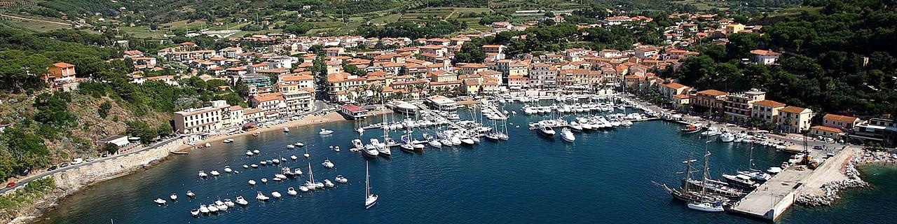 Porto Azzurro a jeho přístav