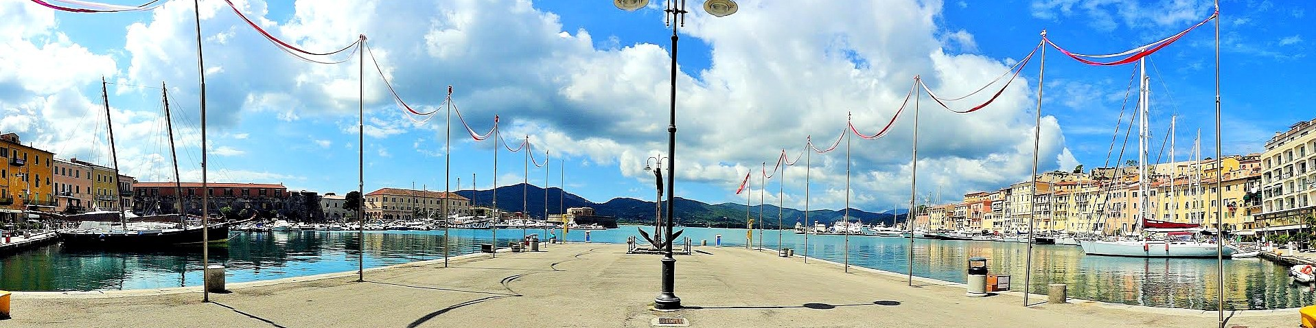 Portoferraio, molo ve starém přístavu