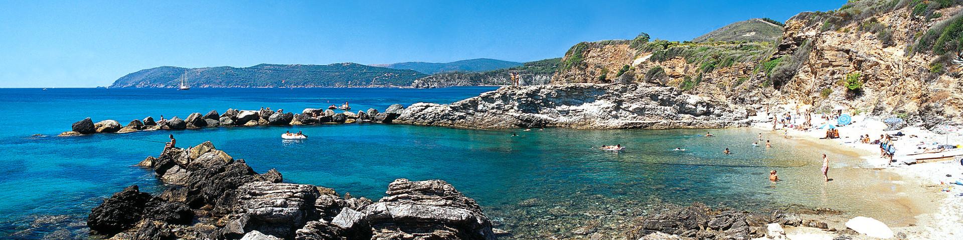 Elba, oblast Capoliveri a pláž Felciaio