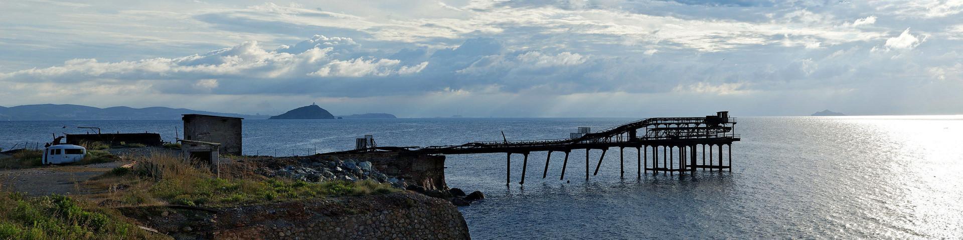 Rio Marina, industriální památky na dávnou těžbu minerálů