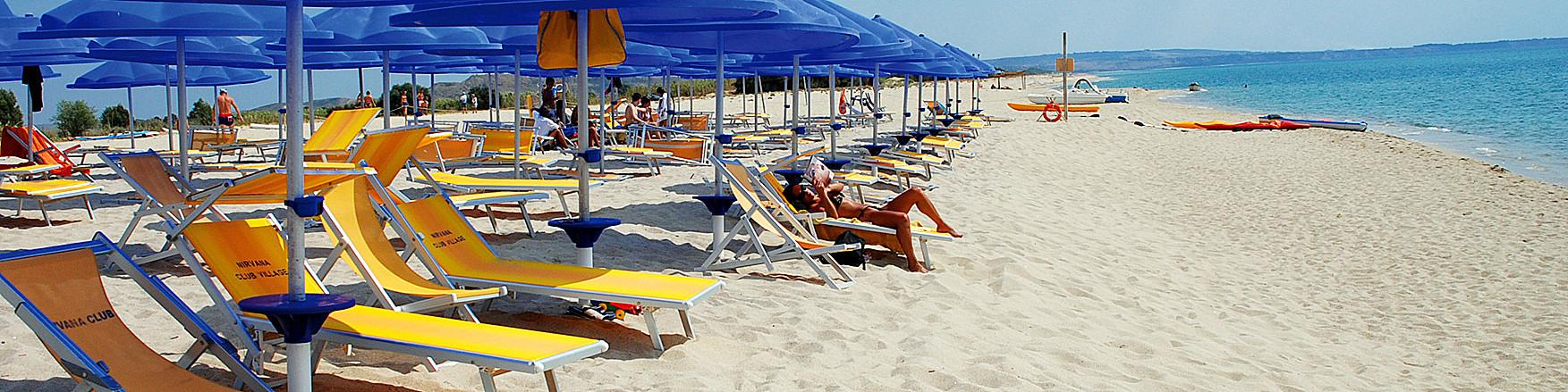 Belcastro Marina, plážový servis Nirvana Club