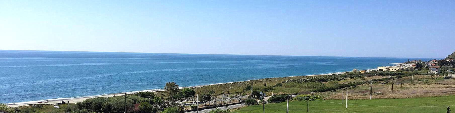 Brancaleone, pobřeží není příliš zastavěné