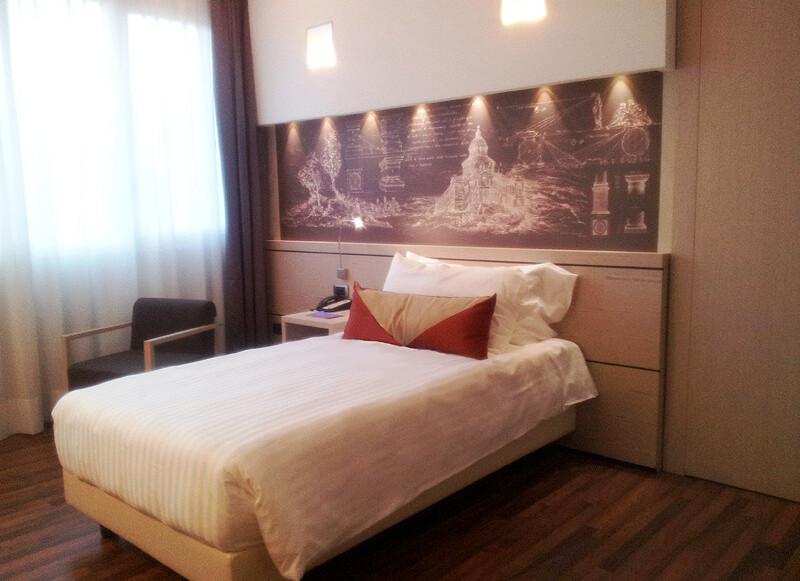 HotelSingleRoom800m.jpg