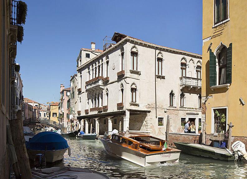 VeneziaFront800b.jpg