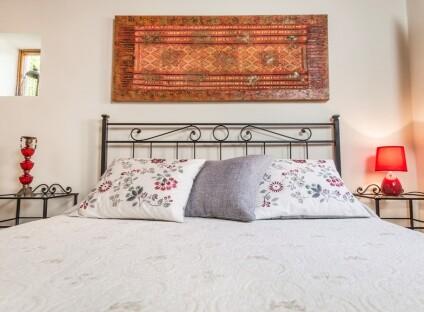 Dettaglio-letto-dependance.jpg