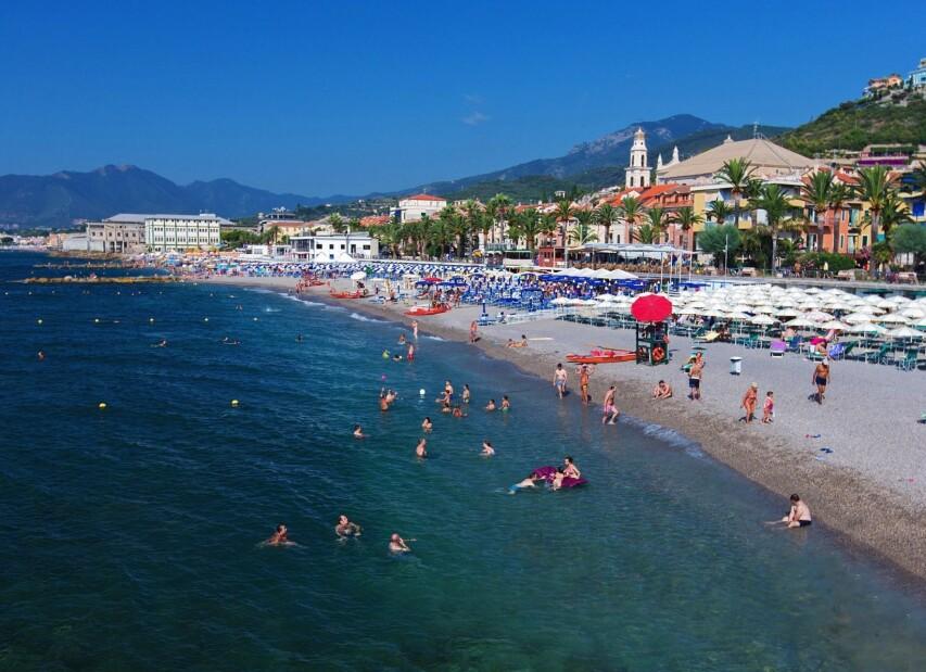 pláž Pietra Ligure