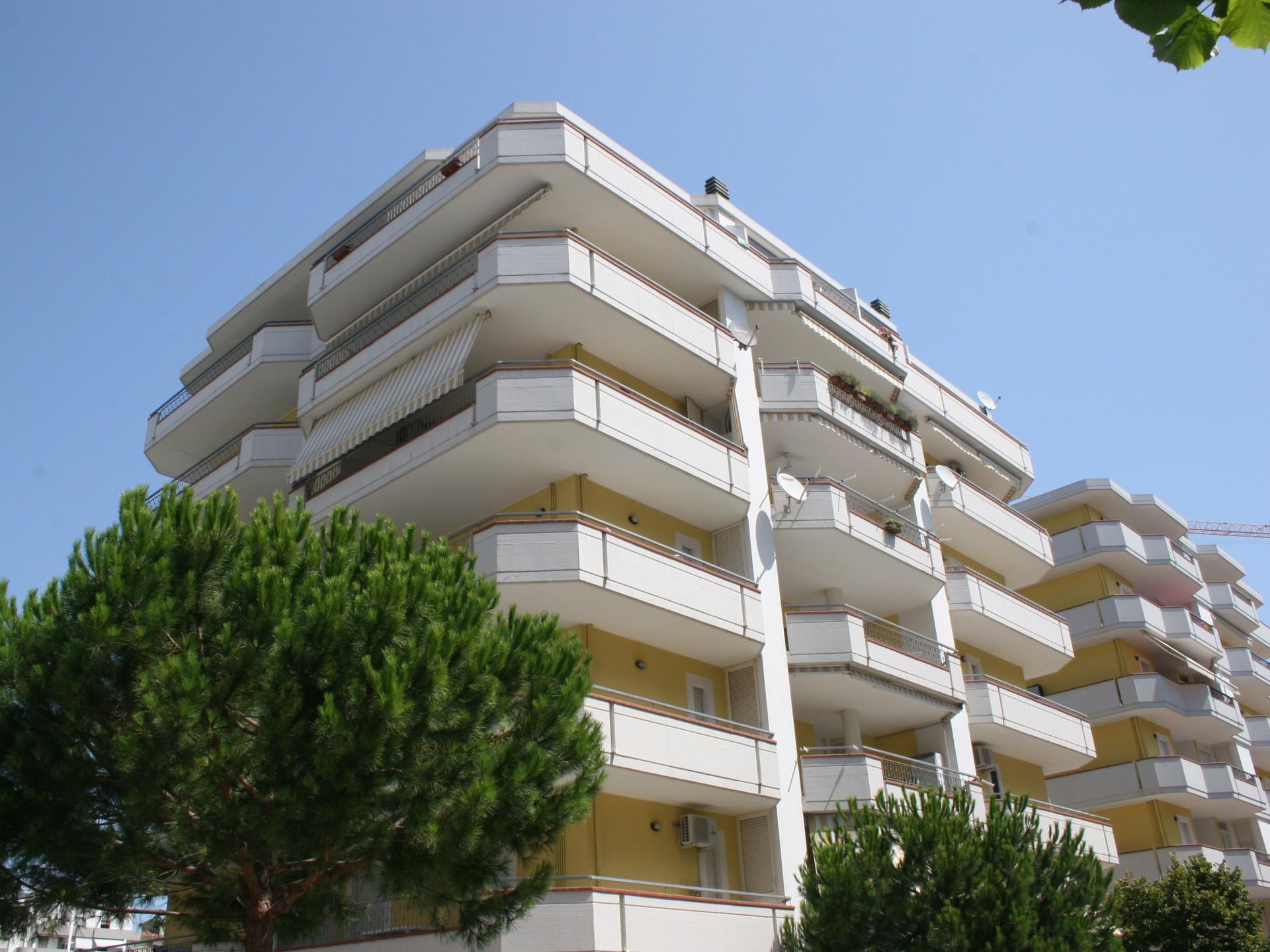 Foto Holiday Club Residence Alba Adriatica 1938 Buick Wiring Diagram