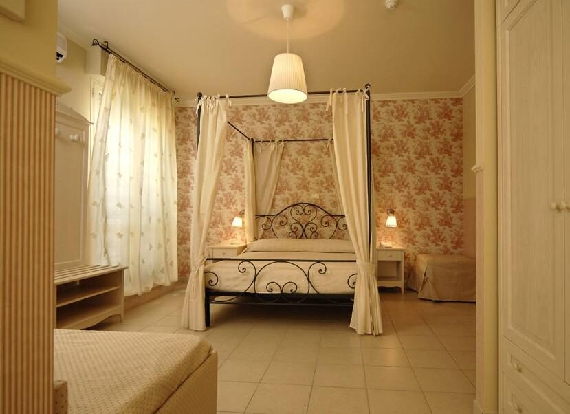 Hotel Mocambo*** - De Luxe