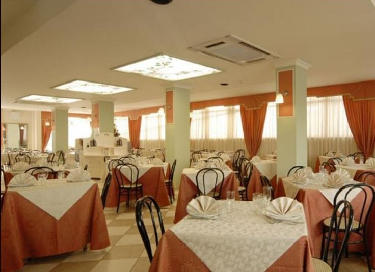Hotel Mocambo*** - restaurace