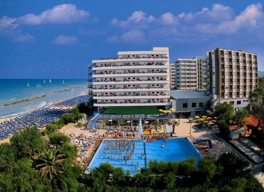 Serena Majestic Hotel****