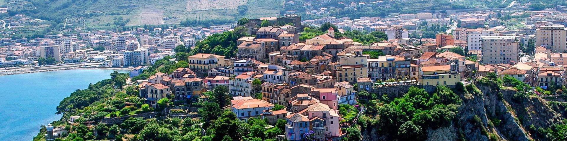 Agropoli, hrad a stará čtvrť