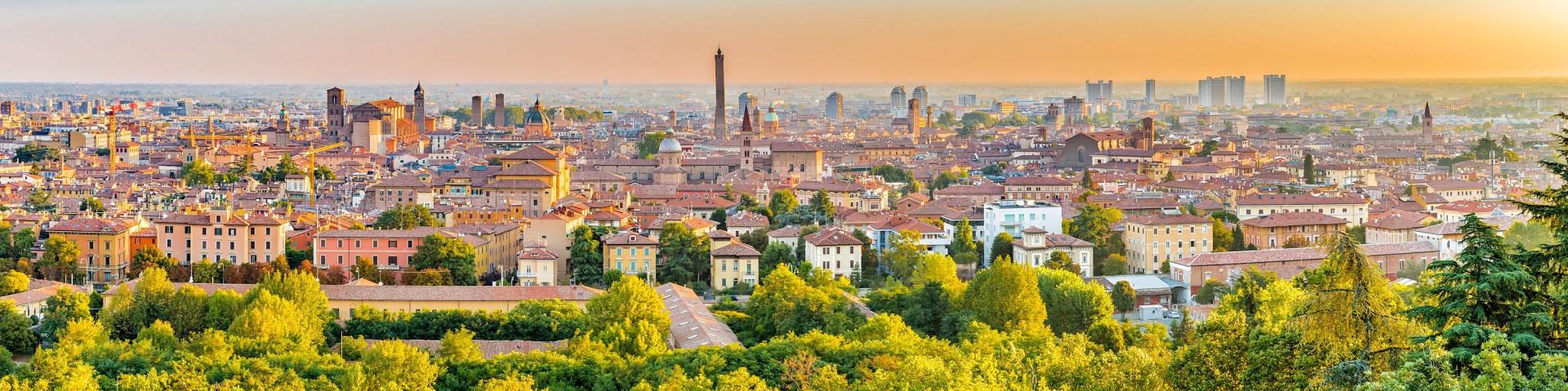 Bologna při západu slunce