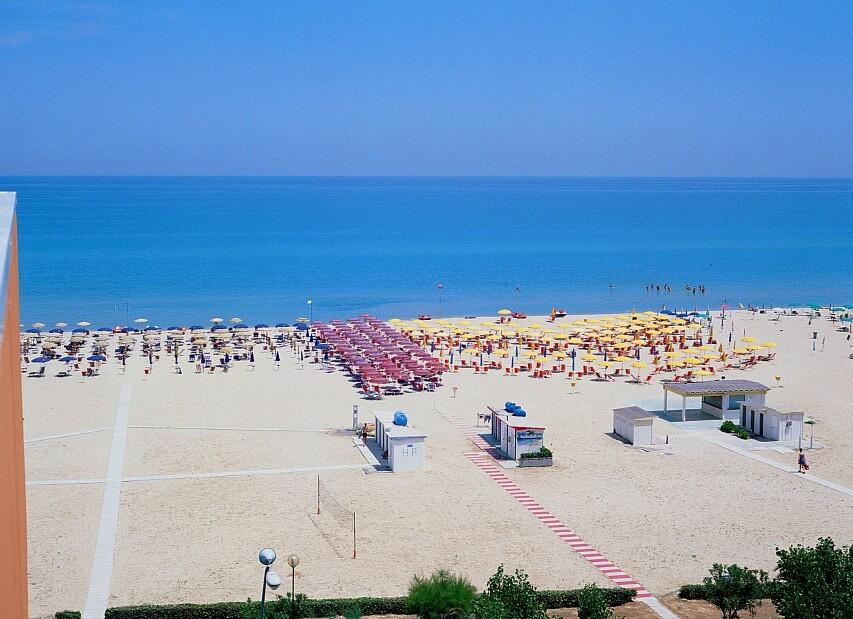Spiaggia Hotel BALTIC_web.jpg