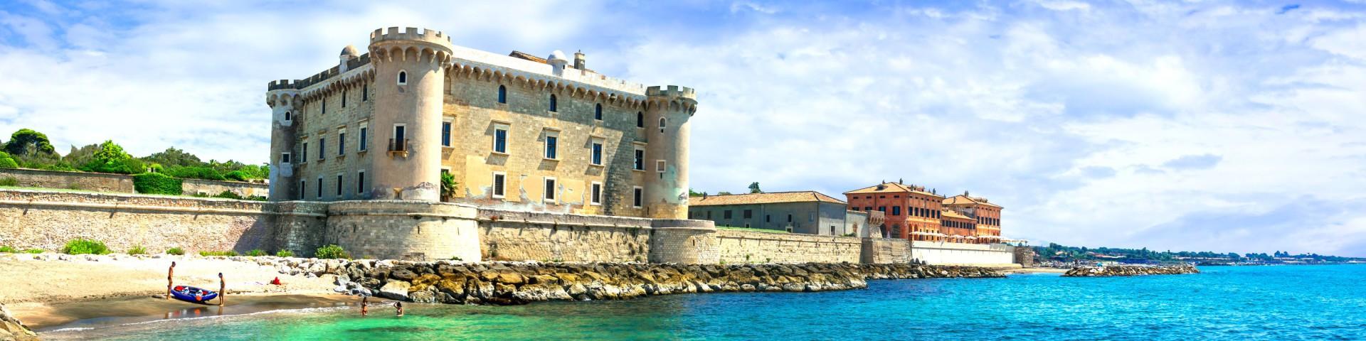 Ladispoli, na jižním okraji stojí pěkný Castello Odescalchi