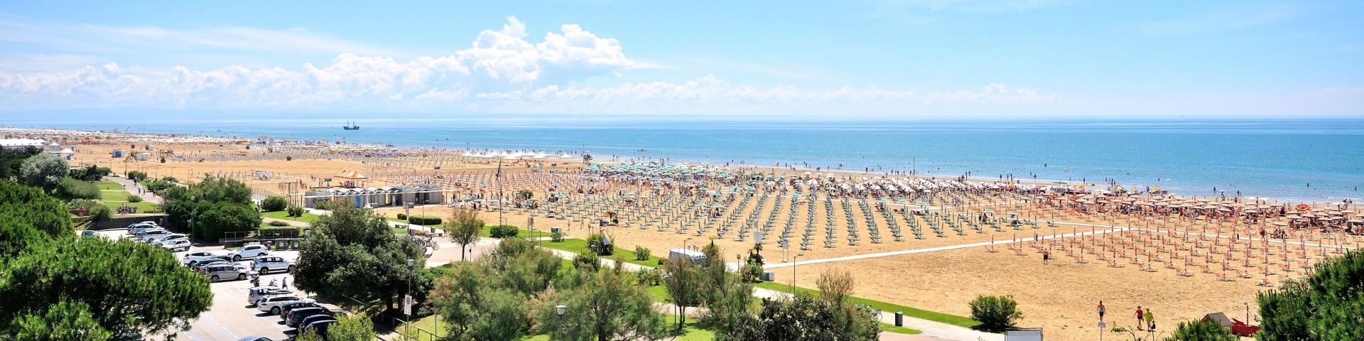 Bibione Lido del Sole, pláž v této části není tak široká