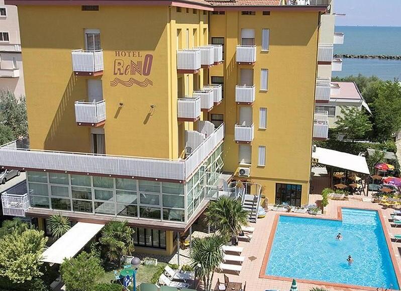 Hotel Reno***