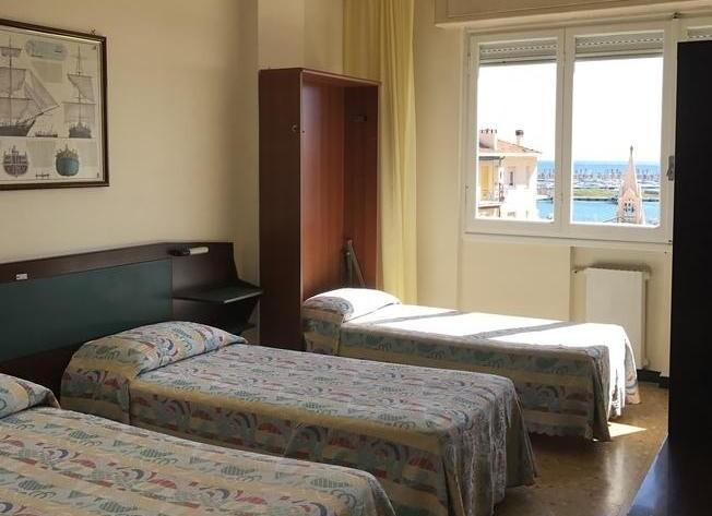 Hotel Robinia*** - Imperia