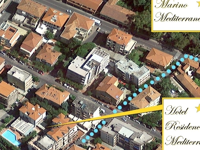 Hotel***Residence Mediterraneo - trasa k privátnímu parku a pláži