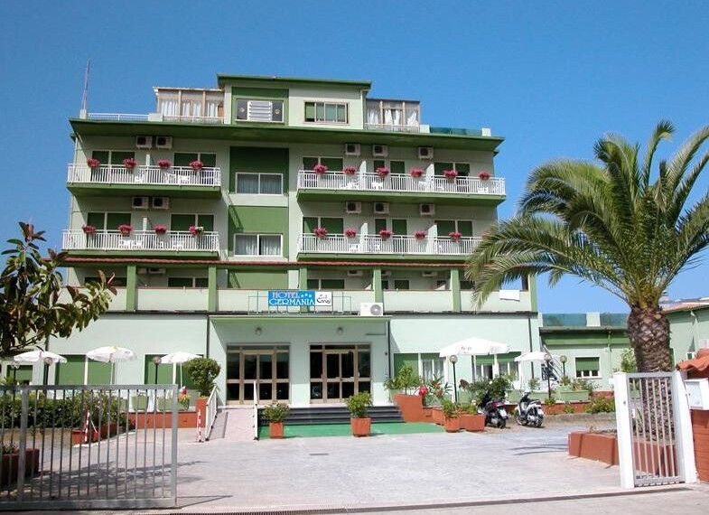 hotel 2 4x3.jpg