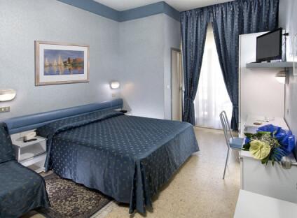 Hotel Globus***