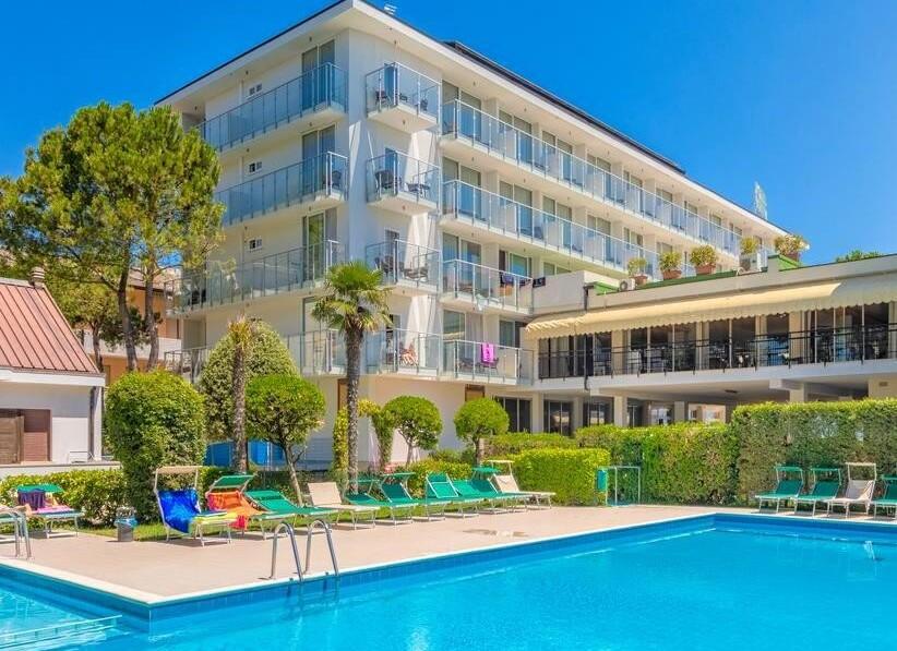 Marina Palace Hotel****ˢ